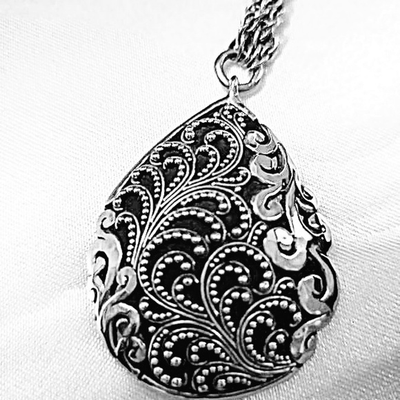Lois Hill Jewelry - Lois Hill Sterling Silver Necklace